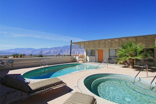 Dream-Houses-coachella-style-Image-gallery-from-refinery29-website-11